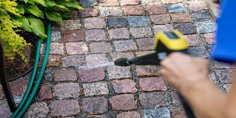 How to effectively clean paver block